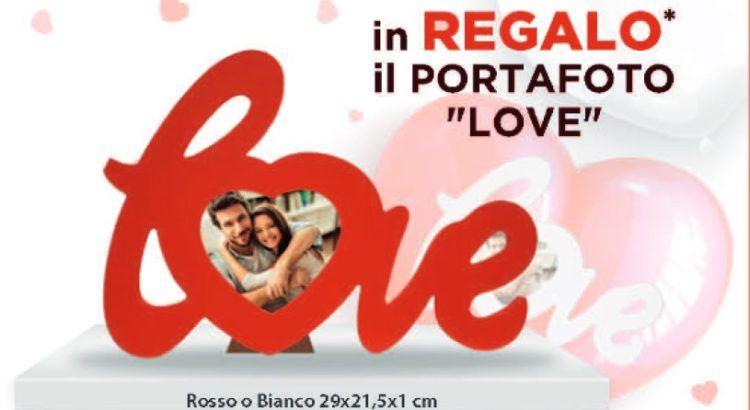 Portafoto Love in omaggio da Acqua e Sapone