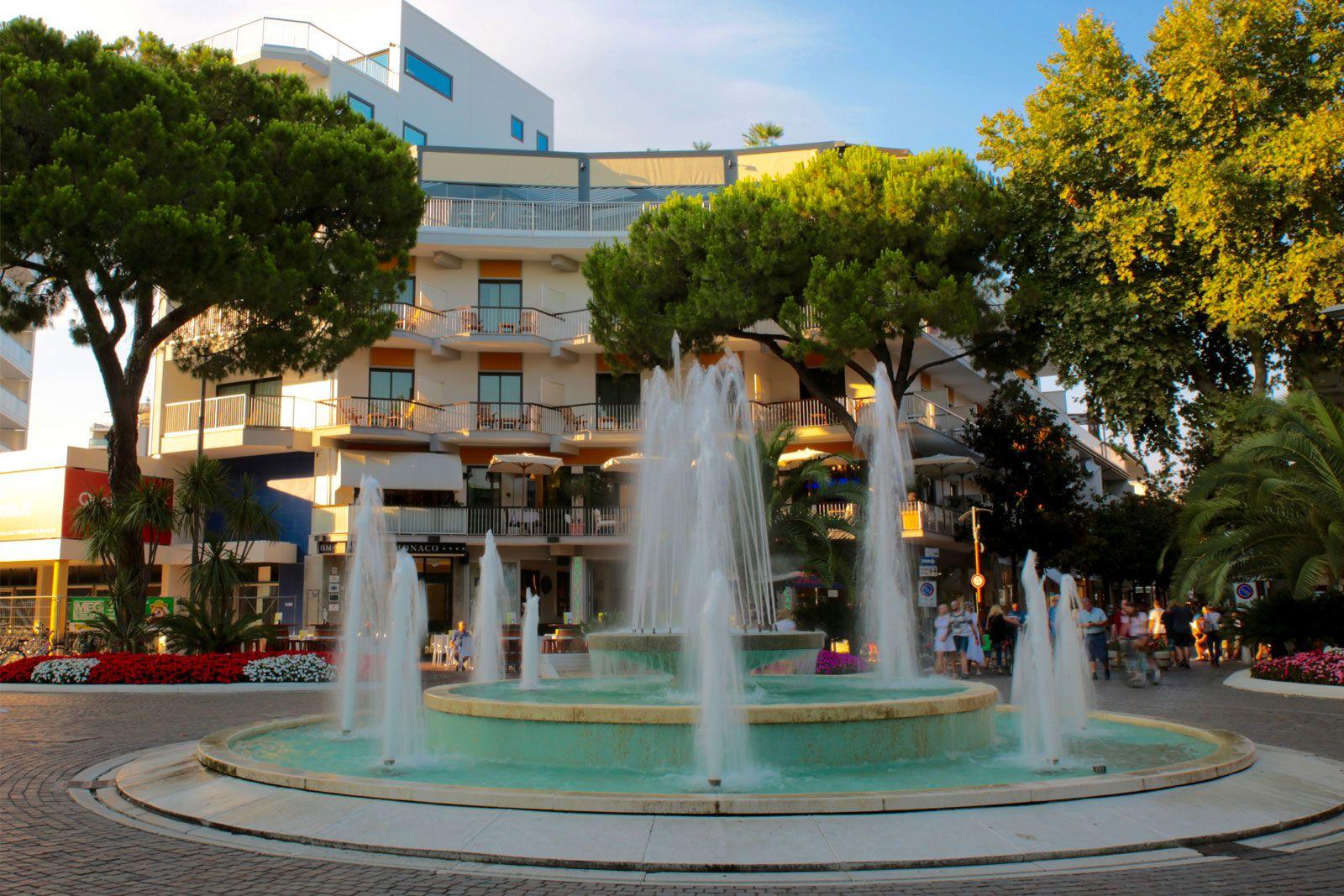 www.scontrinofelice.it offerta flash luglio 2020 hotel 4 stelle a lignano sabbiadoro ud piazza fontana lignano Offerta flash Luglio 2020 Hotel 4 Stelle a Lignano Sabbiadoro (UD)